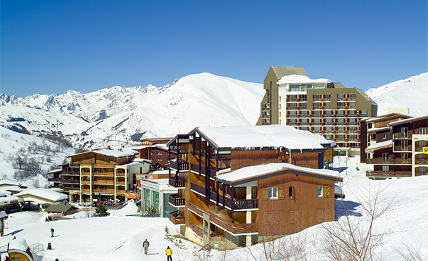 Resort at the foot of the slopes