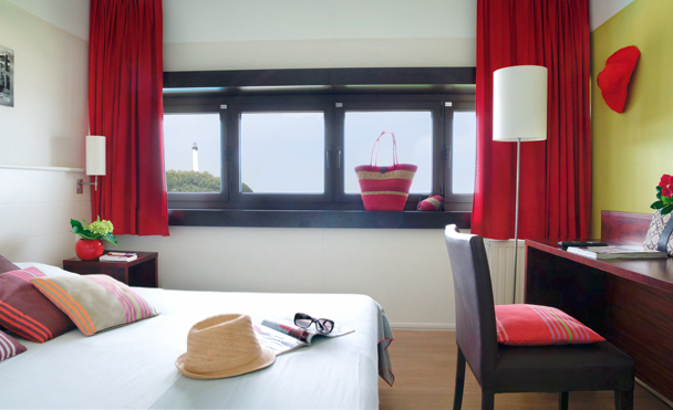 Anglet la chambre d 39 amour summer holiday club belambra for Belambra anglet chambre d amour