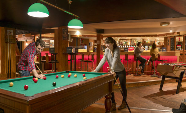 Bar & billiard