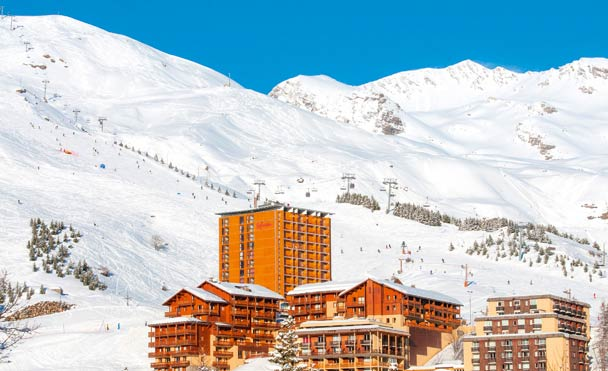 club at the foot of the slopes